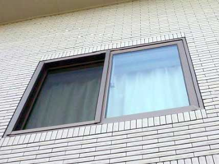 サッシが外壁の面があっているケース