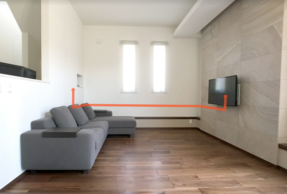 壁掛けTVと壁内配線1
