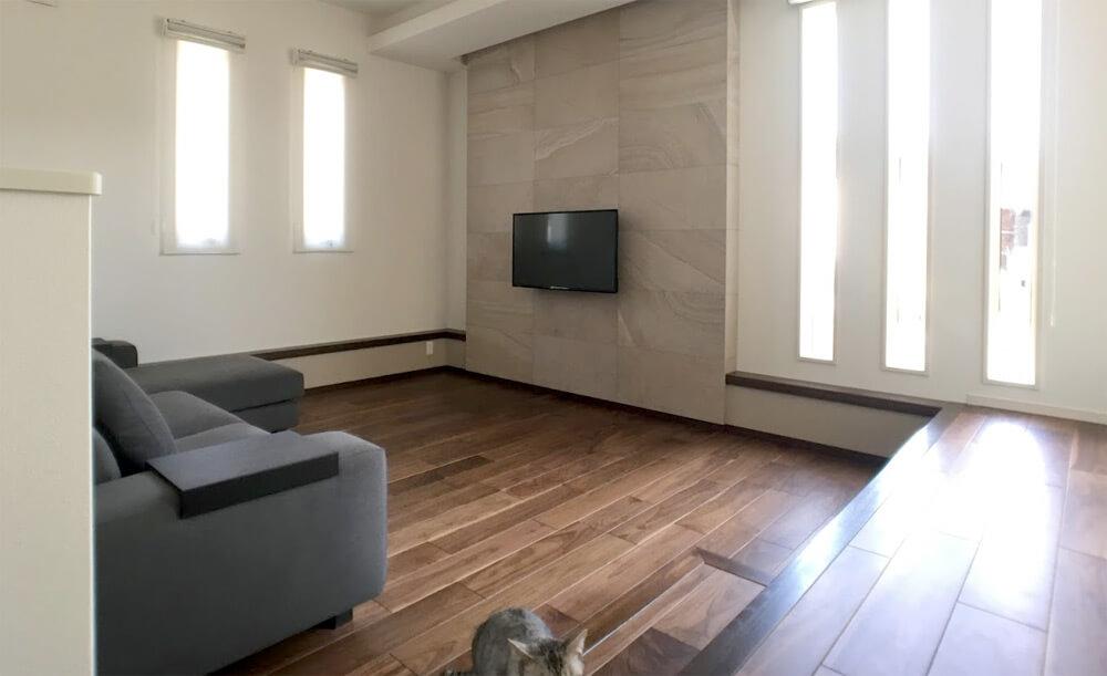 壁掛けTVと壁内配線2