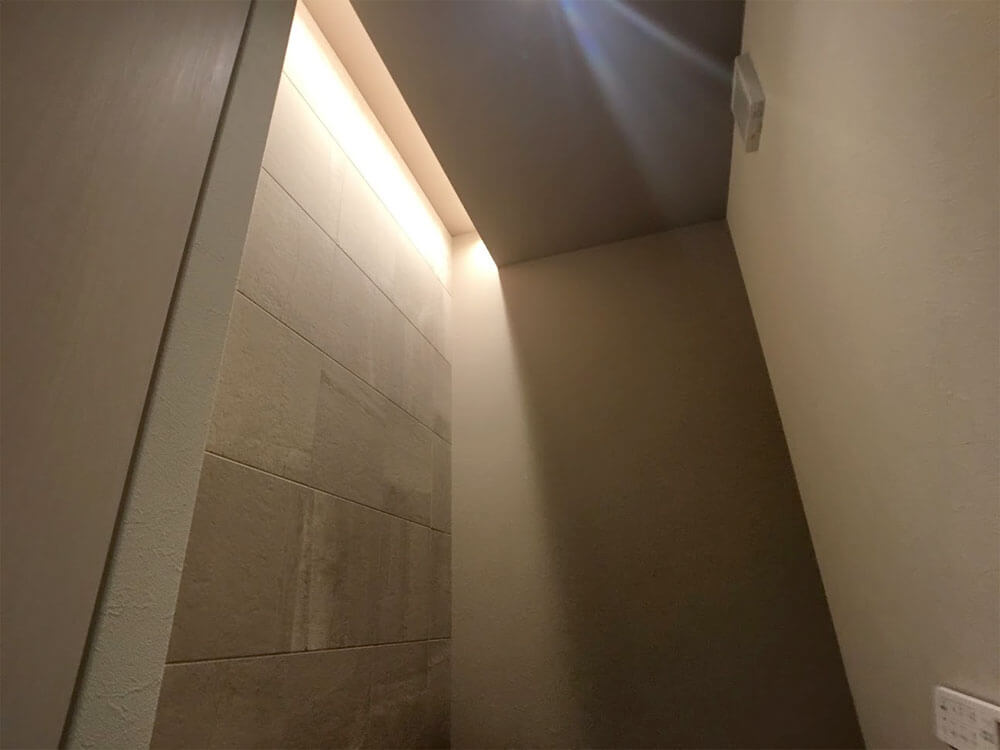 Web内覧会-1階トイレの間接照明