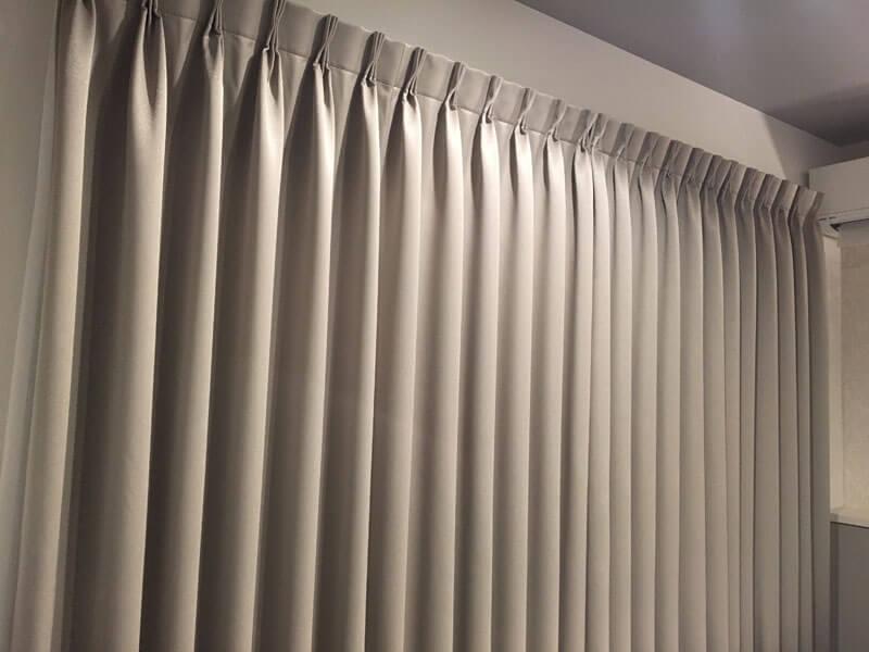 我が家の寝室のカーテン